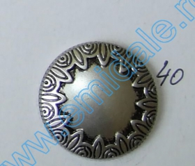 Nasturi A832, Marime 32, Argintii Inchis (100 buc/pachet)  Nasture Plastic Metalizat 634, Marimea 40 (144 buc/pachet)