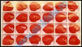 Cristale de Lipit  2797, Marimea: 10x5 mm, Culoare: Jet (180 buc/pachet)  Pandant 6202, Marimea: 18x17.5 mm, Culoare: Light Siam (72 buc/pachet)
