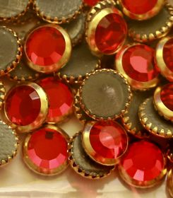Pandantiv Swarovski, 30 mm, Culoare: Indicolite (1 bucata)Cod: 6040-MM30 Cristale de Lipit Swarovski, 20 mm, Diferite Culori (144 buc/pachet)Cod: 2013