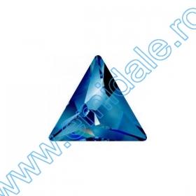 Cristale fara Adeziv 2028, Marimea: 50 mm, Culoare: Crystal (4 buc/pachet)  Cristale fara Adeziv 2721, Marimea: 10 mm, Culoare: Bermuda Blue (144 buc/pachet)