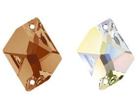 Pandantiv Swarovski, 28 mm, Culoare: White Opal (1 bucata)Cod: 6106-MM28 Cristale de Cusut Swarovski, 26x21 mm, Diferite Culori (1 bucata)Cod: 3265