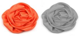 Aplicatie Brodata, lungime 20 cm (10 buc/pachet) Cod: 11240 Trandafiri din Satin, diametru 7 cm (10 bucati/pachet)