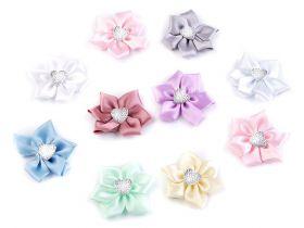 Aplicatie din Dantela, Smile (1 bucati/pachet) Cod: 400122 Flori din Satin cu Inimioara, diametru 5 cm (10 bucati/pachet)