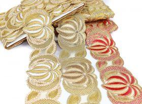 Pasmanterie cu Paiete si Margele, Model Floare, latime 5 cm (9 metri/rola)Cod: 40306 Pasmanterie Brodata cu Fir Metalic, latime 7 cm (9 m/rola)Cod: EMI40052