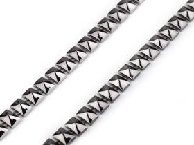 Pasmanterie cu Fir Metalic, 40 mm (13.716 metri/rola) Cod: LA4878 Banda Decorativa Piramida, 8 mm (9 metri/rola)Cod: 510539