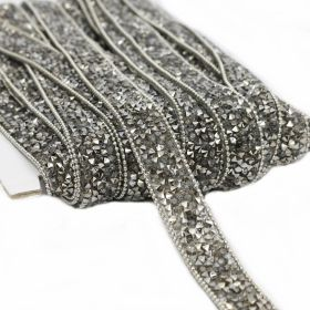 Pasmanterie Iron-on Trim/Border with Rhinestones, 15 mm (10 yards/roll)Code: YK-T009